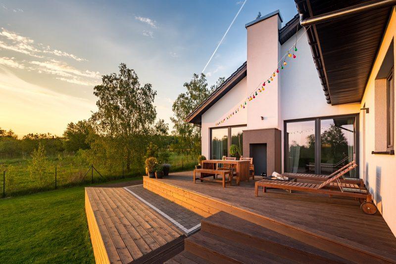 moderný dom s terasou