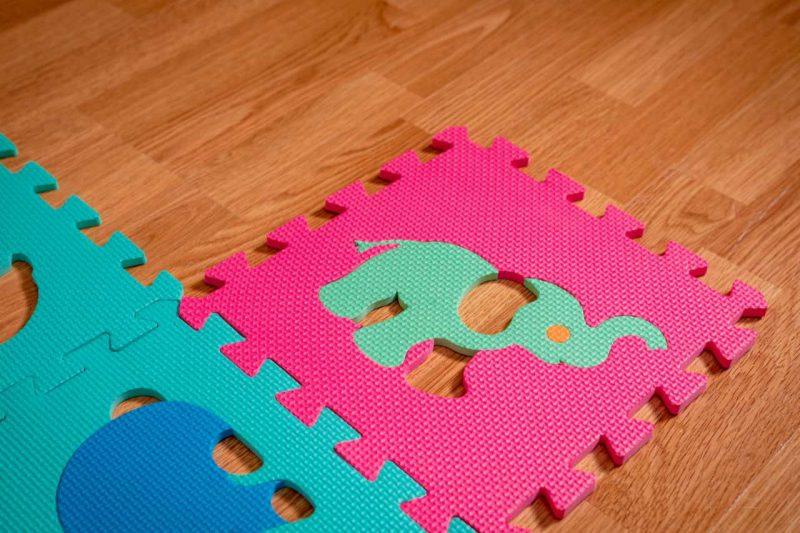 farebné penové puzzle so slonom