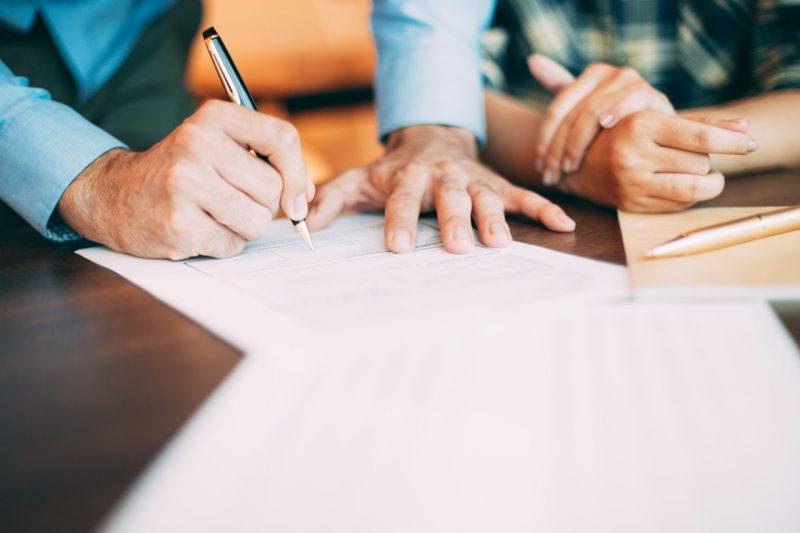podpisovanie zmluvy