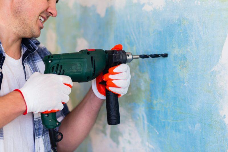 vŕtanie do steny aku vŕtačka s príklepom