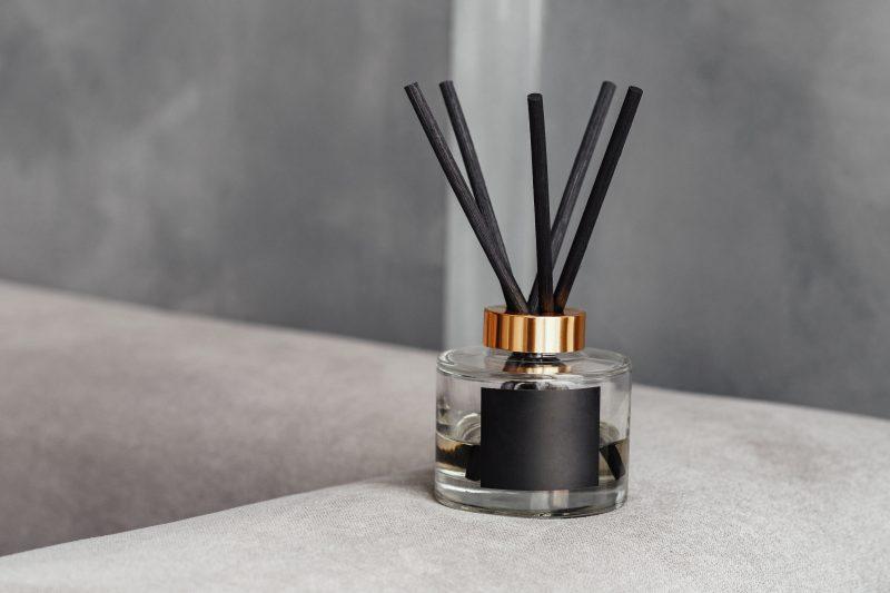 čierny aroma difuzér