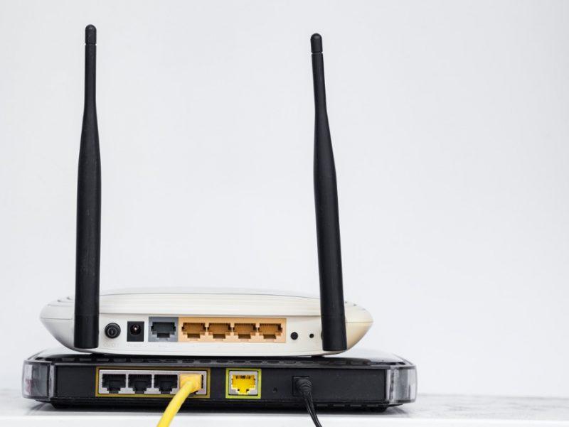 dva Wi-Fi routre