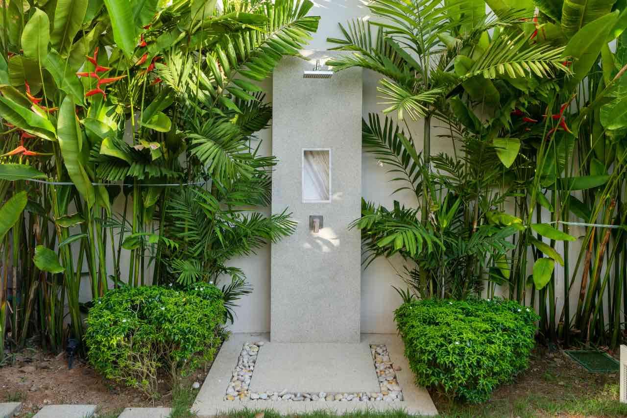 pevná záhradná sprcha