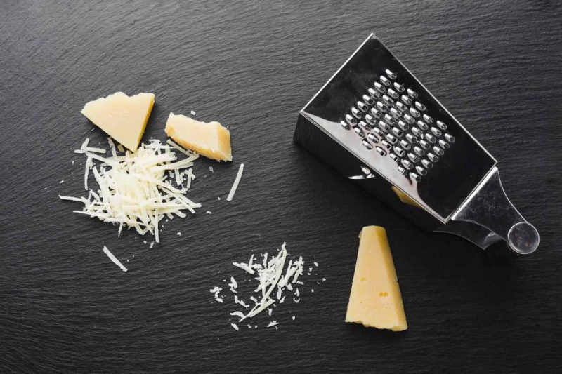 strúhadlo a syr