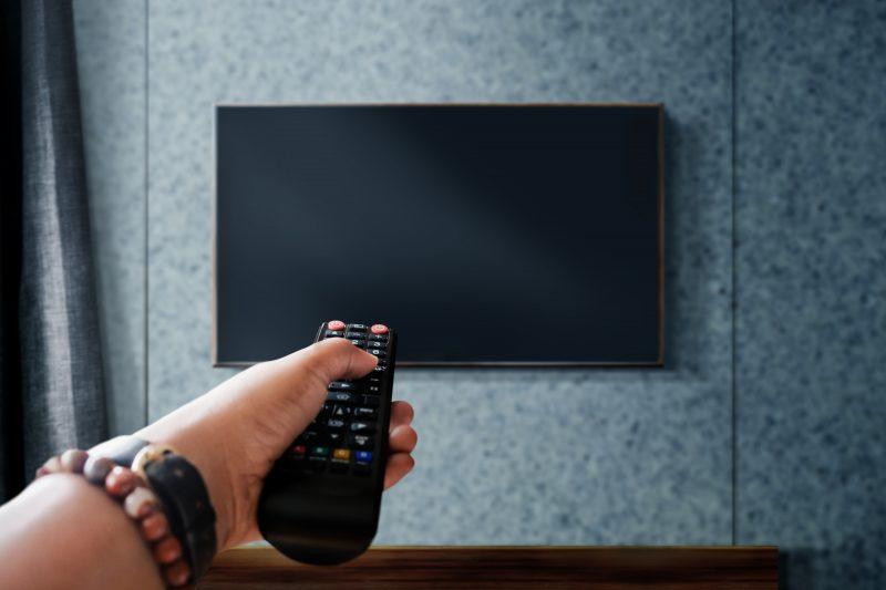 držiak na TV